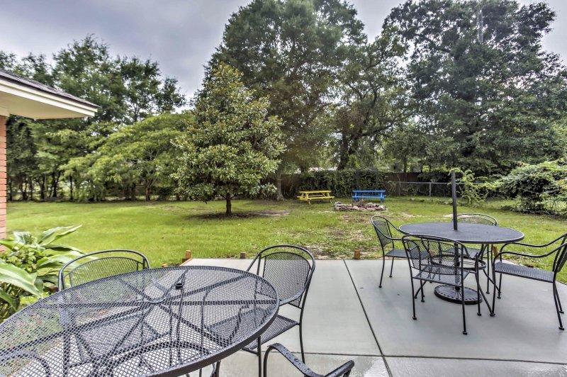 Découvrez le meilleur de la côte du golfe du Mississippi dans cette 4 chambres, 2 salles de bains maison de col location de vacances chrétienne.