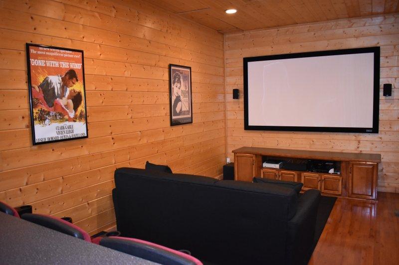 Profitez de vos films préférés dans la salle de théâtre!