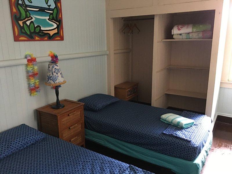 Hakuna Matata Private Twin/Double Share Bathroom, holiday rental in Lahaina