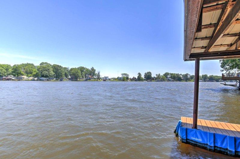 El río Tippecanoe es el destino de vacaciones perfecto para cualquier persona que le gusta pasar el tiempo en bote o nadar!