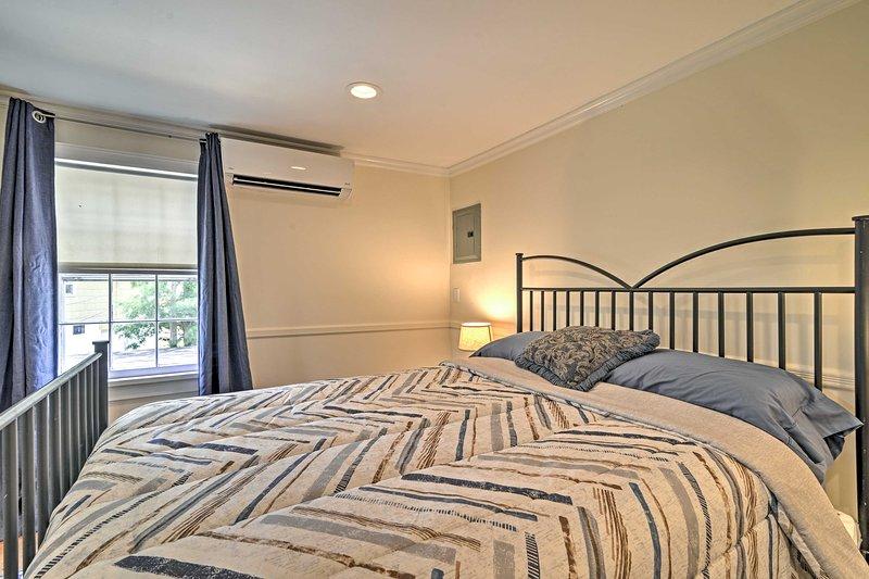 Tirare indietro le tende e lasciare che il sole del mattino illuminare la stanza.