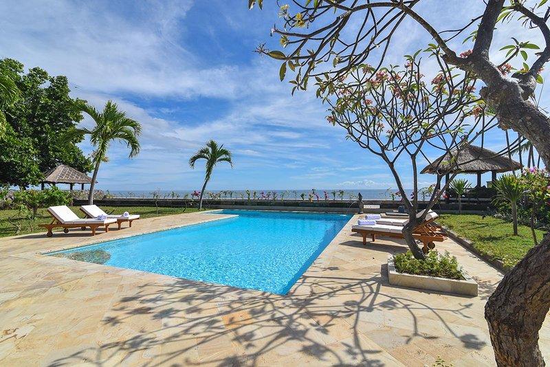 Villa Duyung - Panoramic View Bali Beach, vacation rental in Rangdu
