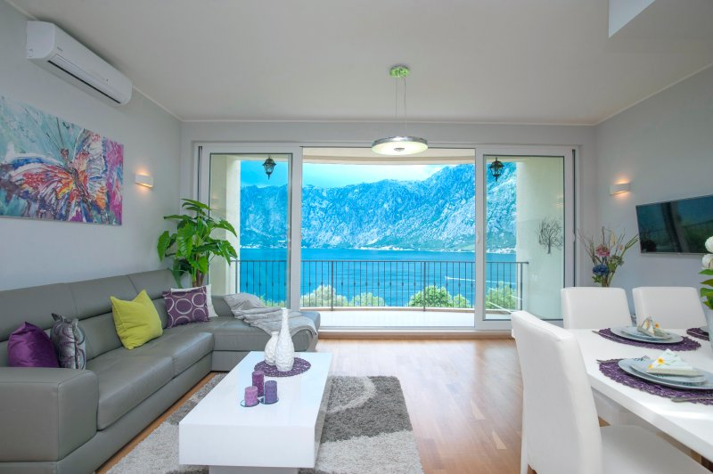 You Can't Beat This SPECTACULAR View And Space, holiday rental in Kotor