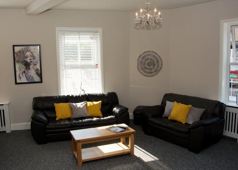 holgate premier 3 bedroom apartment has internet access and wi fi rh tripadvisor com