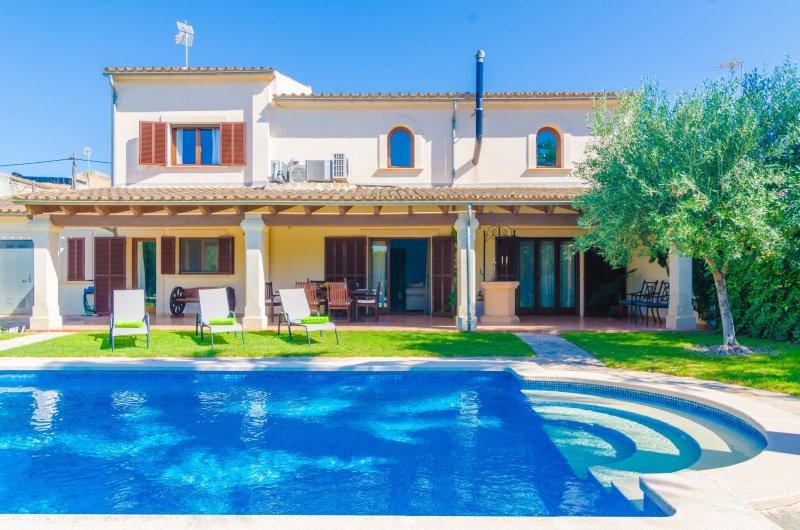 CAN TORRES - Villa for 7 people in Vilafranca de Bonany, holiday rental in Vilafranca de Bonany