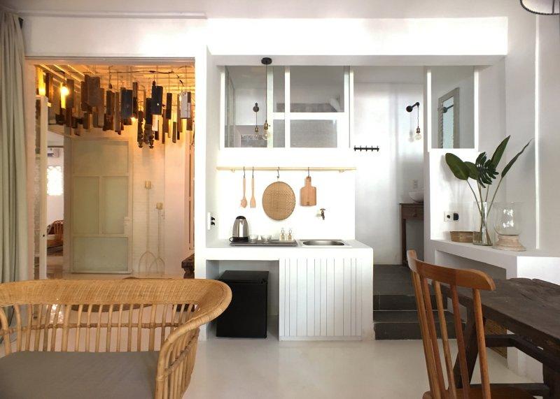 Kleine wastafel en keuken
