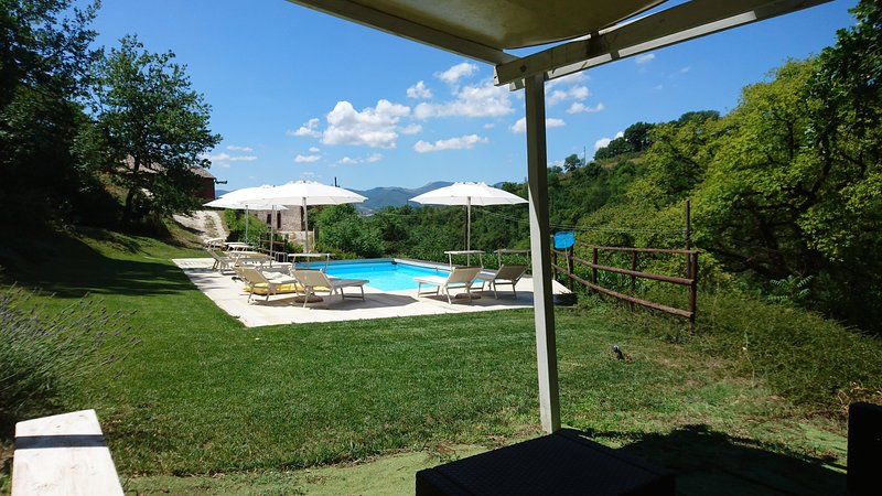 Il Boschetto between Marche and Umbria, holiday rental in Genga