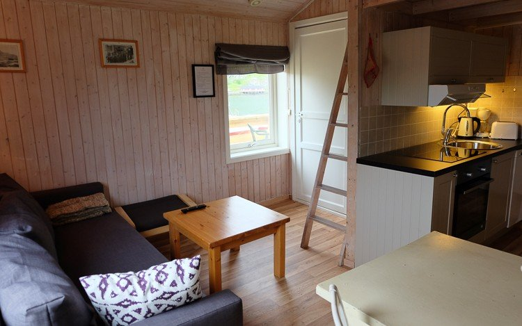 Linbua Studio Cabin in Hemmingodden Lofoten Fishing Lodge, holiday rental in Nordland