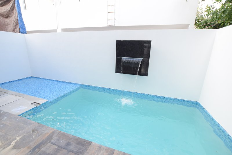 House in Cancun near to the airport, in a family neighborhood, holiday rental in Benito Juarez Municipality
