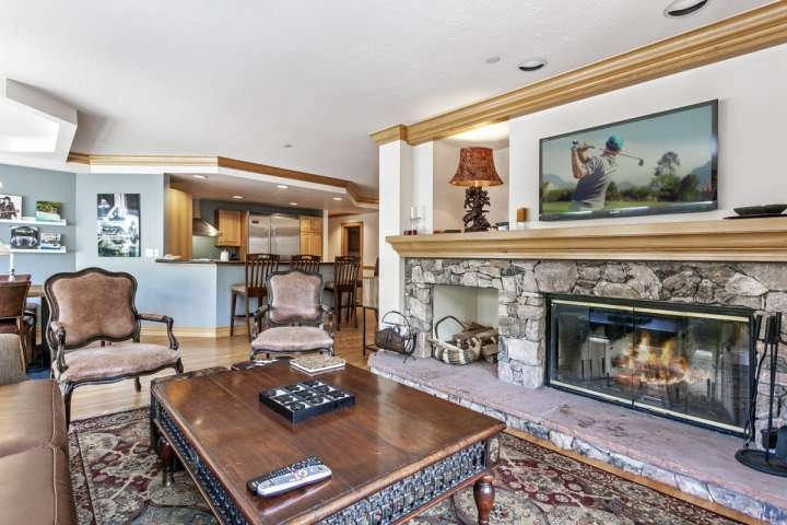 Two King Suites! Steps to Lifts, Village Shops & Restaurants, Year Round Pool &, holiday rental in Beaver Creek