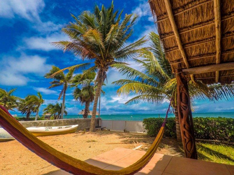 Suite Standard beach front condo, location de vacances à Playa Mujeres