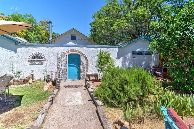 La maison colorée offre le refuge parfait de votre vie quotidienne!
