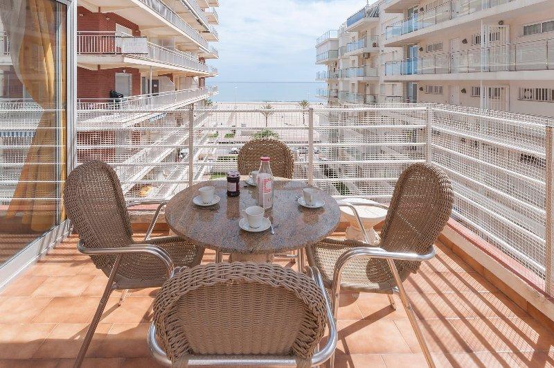 MARIMAR - Apartment for 4 people in Grau i Platja, holiday rental in Grau de Gandia