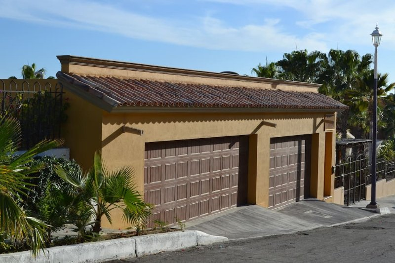 Casa De Suenos no 17 paseo finesterra . the front of the property  fully secured