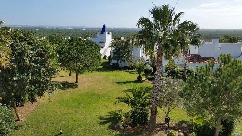 Casa Novo Santi Petri,Ideal familias.Lado pinar de Roche.Piscina.WIF. Playa 800m, holiday rental in Chiclana de la Frontera