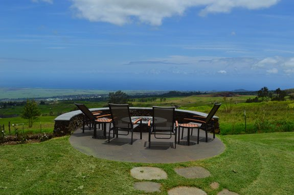 Nestled on the slopes of Haleakala with a view from coast to coast, alquiler de vacaciones en Makawao