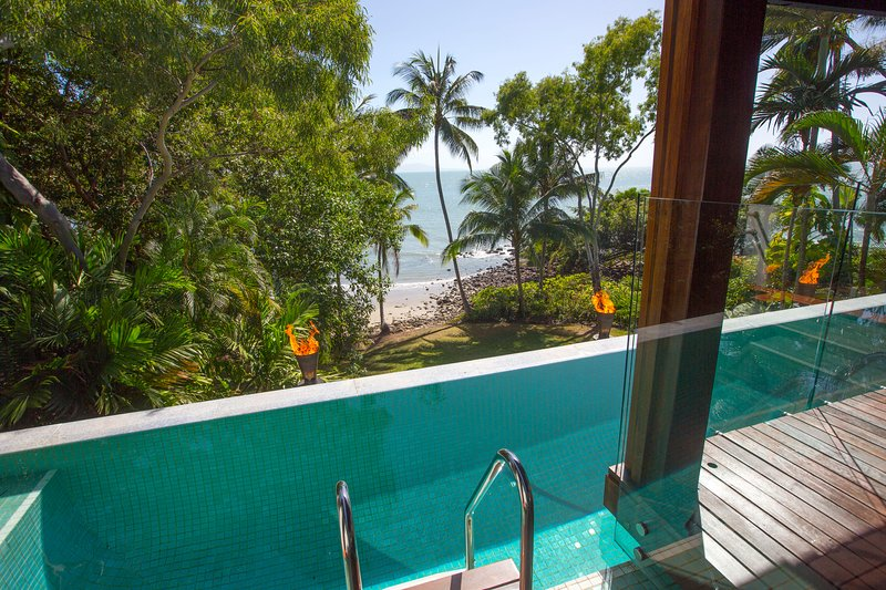 17 Wharf Street | Luxury Beachfront House, holiday rental in Port Douglas