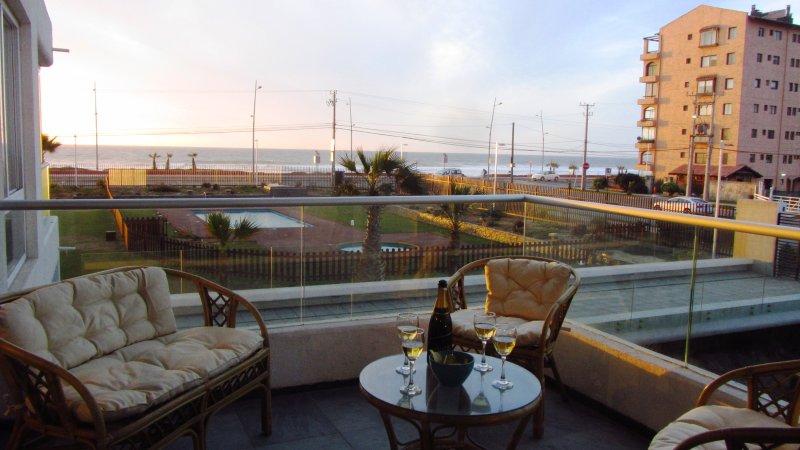 Neohaus Apartment in La Serena beach 5 people, WI-FI, location de vacances à La Serena