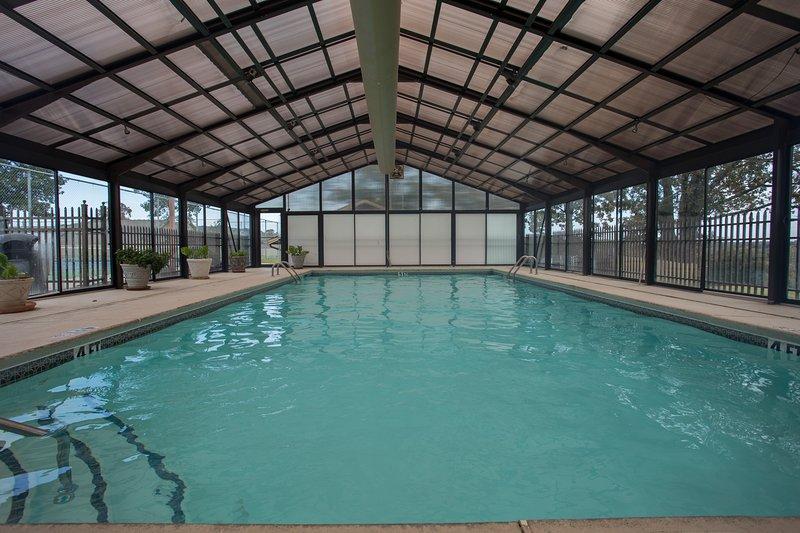 Pool,Resort,Swimming Pool,Water,Building