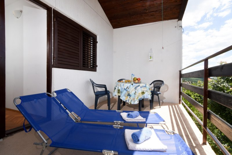 Beautiful Apartment with stunning Seaview, location de vacances à Jadranovo
