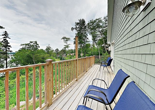 Stylish Condo at Sheepscot Harbor Resort w/ River Views & Balcony, location de vacances à Damariscotta