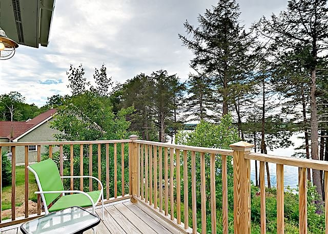 New Riverfront Condo in Sheepscot Harbour - Walk to Famed Seafood Eatery, vacation rental in Bowdoinham
