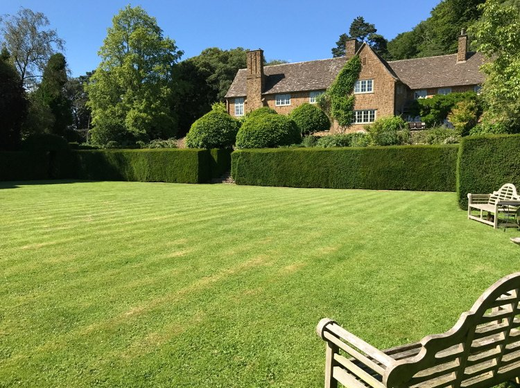 A Fabulous Cotswold Country Estate House, location de vacances à Hillesley