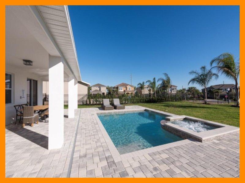 Encore Resort 56 - Premium villa with private pool and free shuttle to parks, casa vacanza a Grand Island