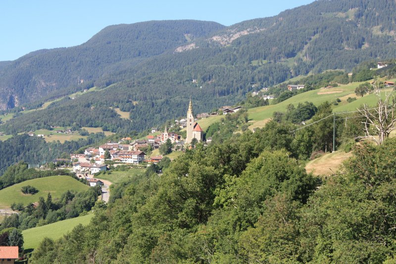 Villanders on the sunny side of the Eisack Valley