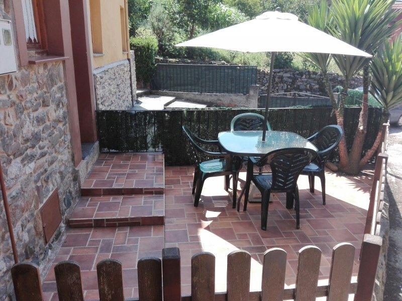 Casa Rural Fuente'l Vache, holiday rental in Felechosa