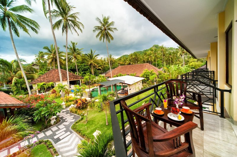 Spacious apartments, wide balconies in Candidasa, vacation rental in Padangbai
