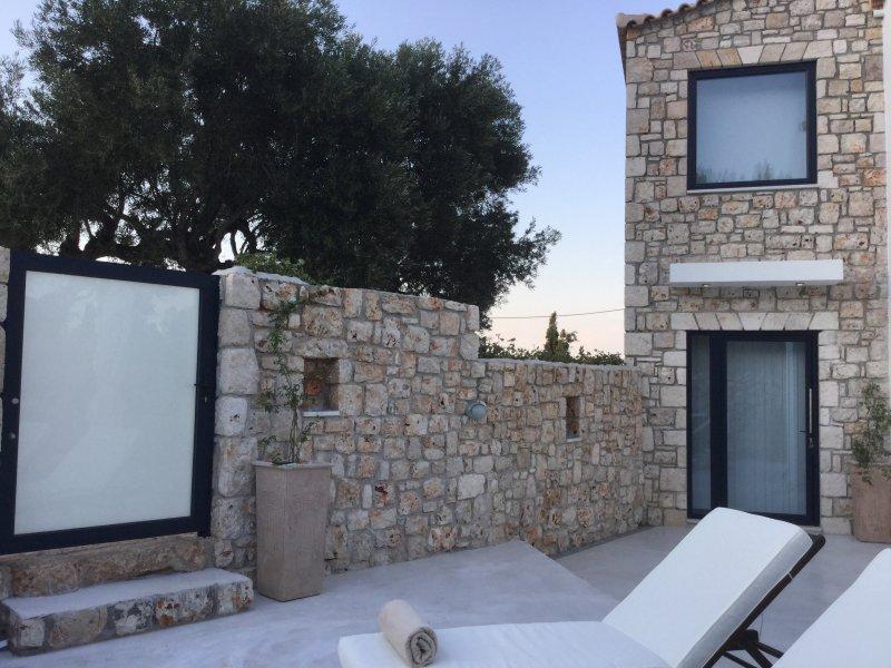 Dion Suite Zakynthos Greece for Couples and Families, aluguéis de temporada em Skinaria