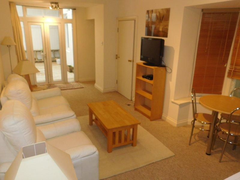 Brunswick Holiday Flats. Lower GF, holiday rental in Shoreham-by-Sea