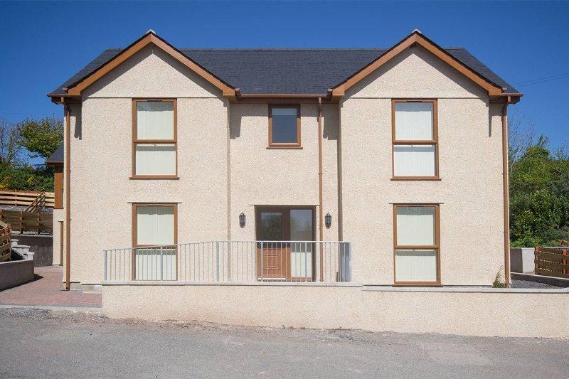 Hendy - First Floor Apartment, location de vacances à Llanfachraeth