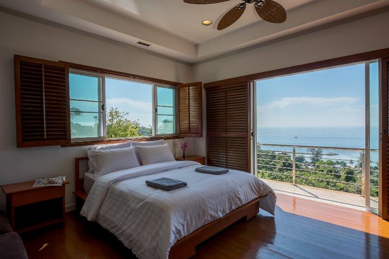 First floor Ocean view Bedroom 2 with balcony