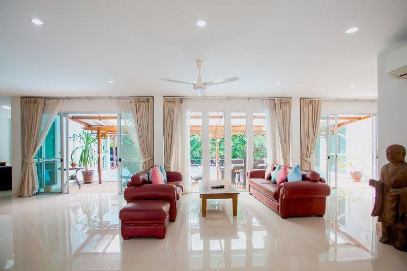 Na Thai Peaceful Villa, Ao-Nang, Krabi, holiday rental in Pak Nam