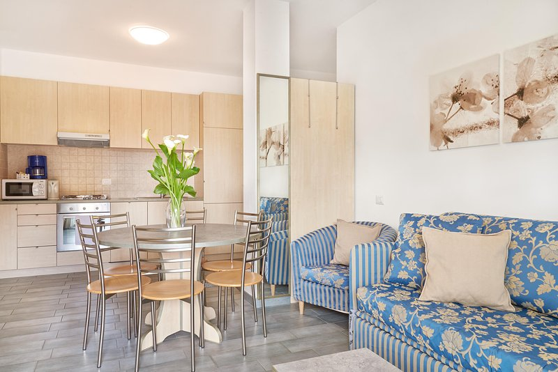 Residence Domaso, two-bedroom apartment, the livingroom's details.