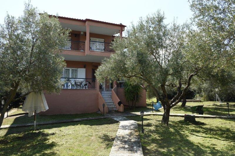 Villa Tripotamos, aluguéis de temporada em Paradisos