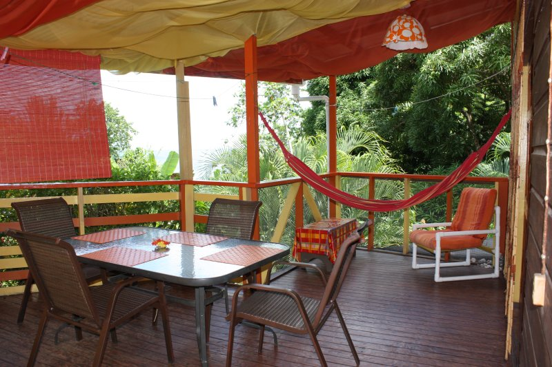 Tamarind Apartment - Castara Cottage - two bedrooms that sleep up to 4 people, Ferienwohnung in Castara