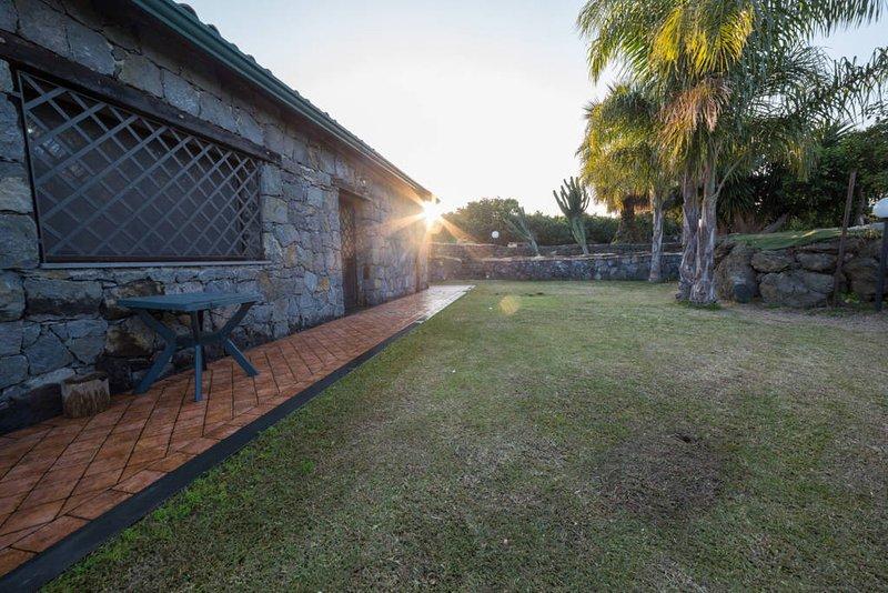 IL RUSTICO POZZILLO, vacation rental in Carruba