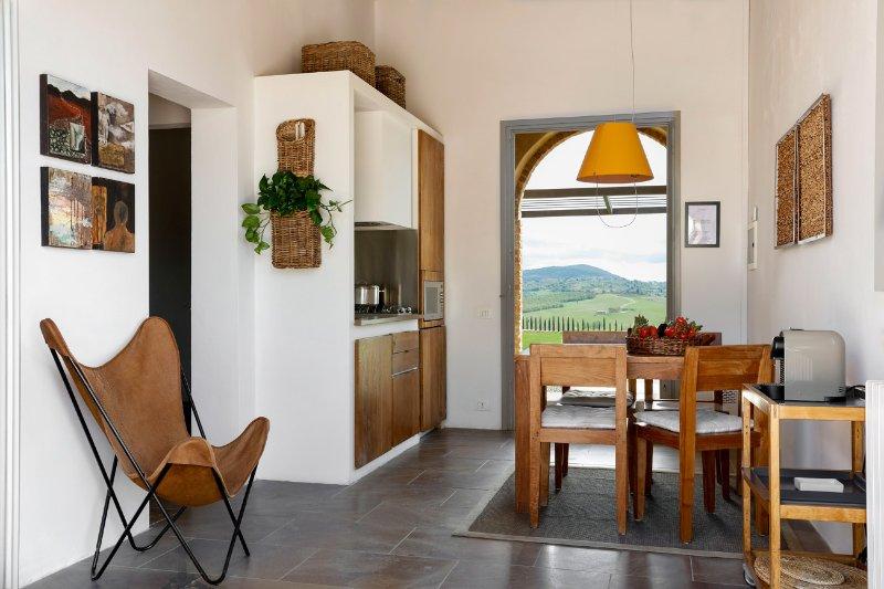Architects apartment amid crete senese, tuscany. Il Postino, holiday rental in Bollano