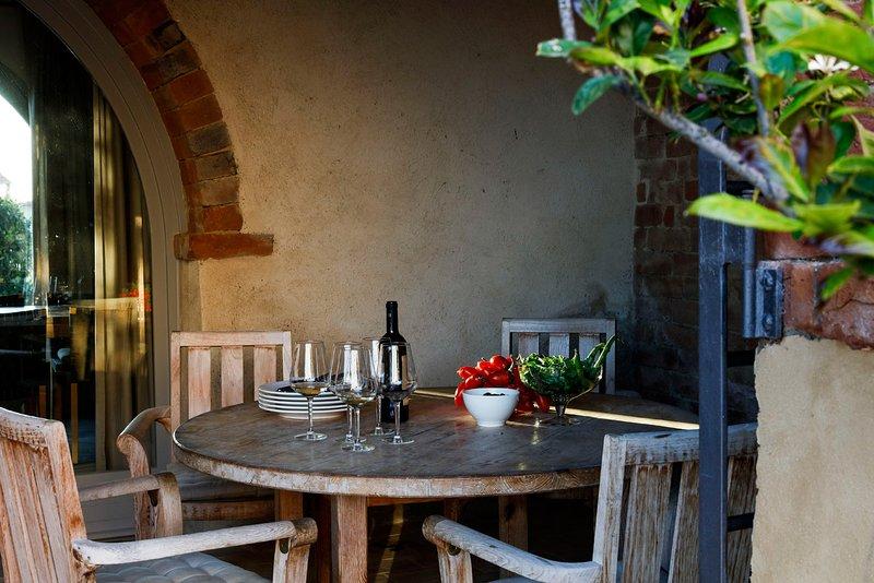 Autencity and luxury in the Tuscan landscape. 'La strada', vacation rental in Chiusure