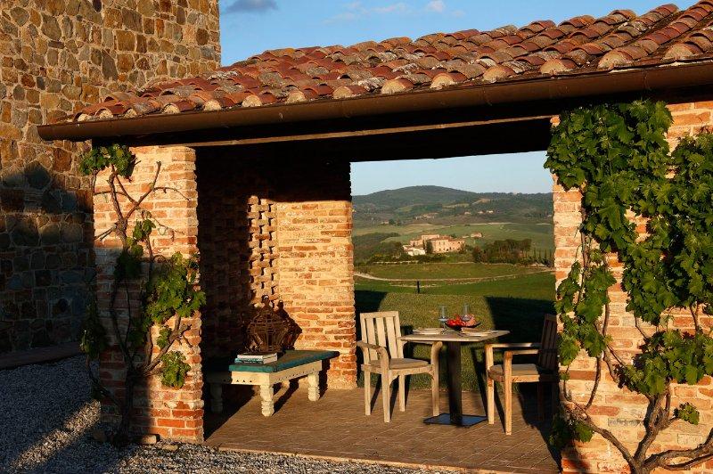 Private design studio on luxury estate in Tuscany. 'Una giornata particolare', holiday rental in Bollano