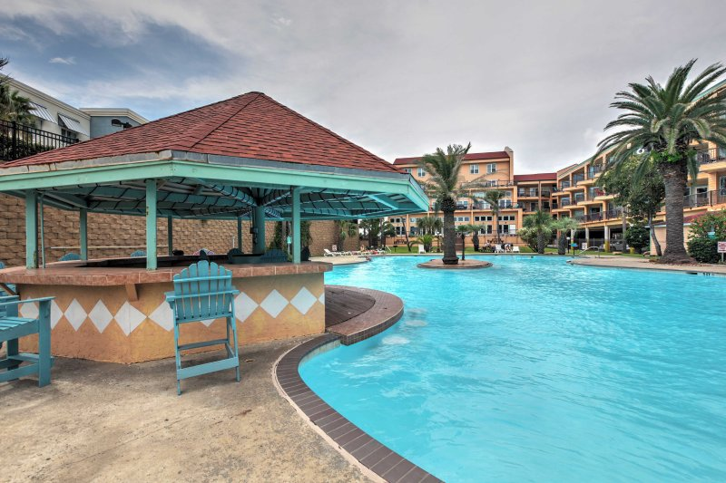 Situated in The Maravilla Condo Resort, you'll enjoy resort amenities when you stay at this 1-bedroom, 1-bathroom vacation rental condo .