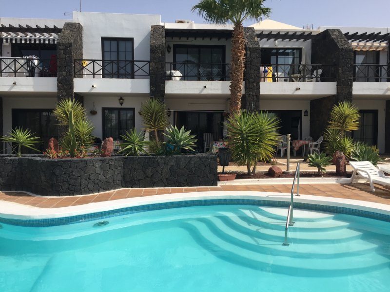 Pelicanos Club with free wifi! Newly refurbished!, vakantiewoning in Lanzarote