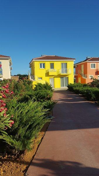 Villa LEMONI - Finiki Village, Finikounda-Methoni, holiday rental in Tapia