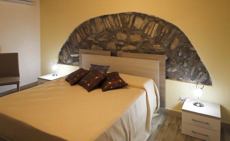 Casa Vacanza Camastra 1°piano, holiday rental in Marina di Caronia
