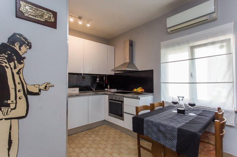 Apartment CORTO, vacation rental in Kastel Stafilic