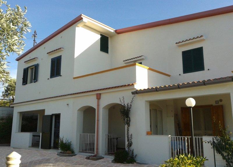 Villa Iris la tua casa al mare -Trilocale, casa vacanza a Chiesiola