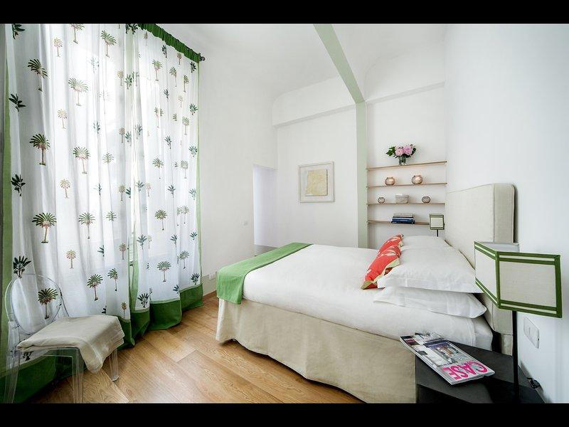 3 dormitorios con cama King, walk-in closet y baño en suite (con ducha)